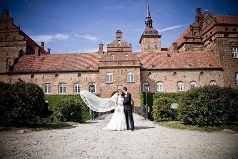 farvefoto bryllup holckenhavn slot